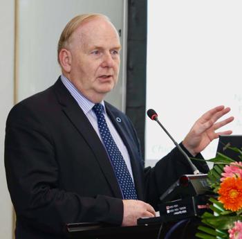 Prof Rury Holman